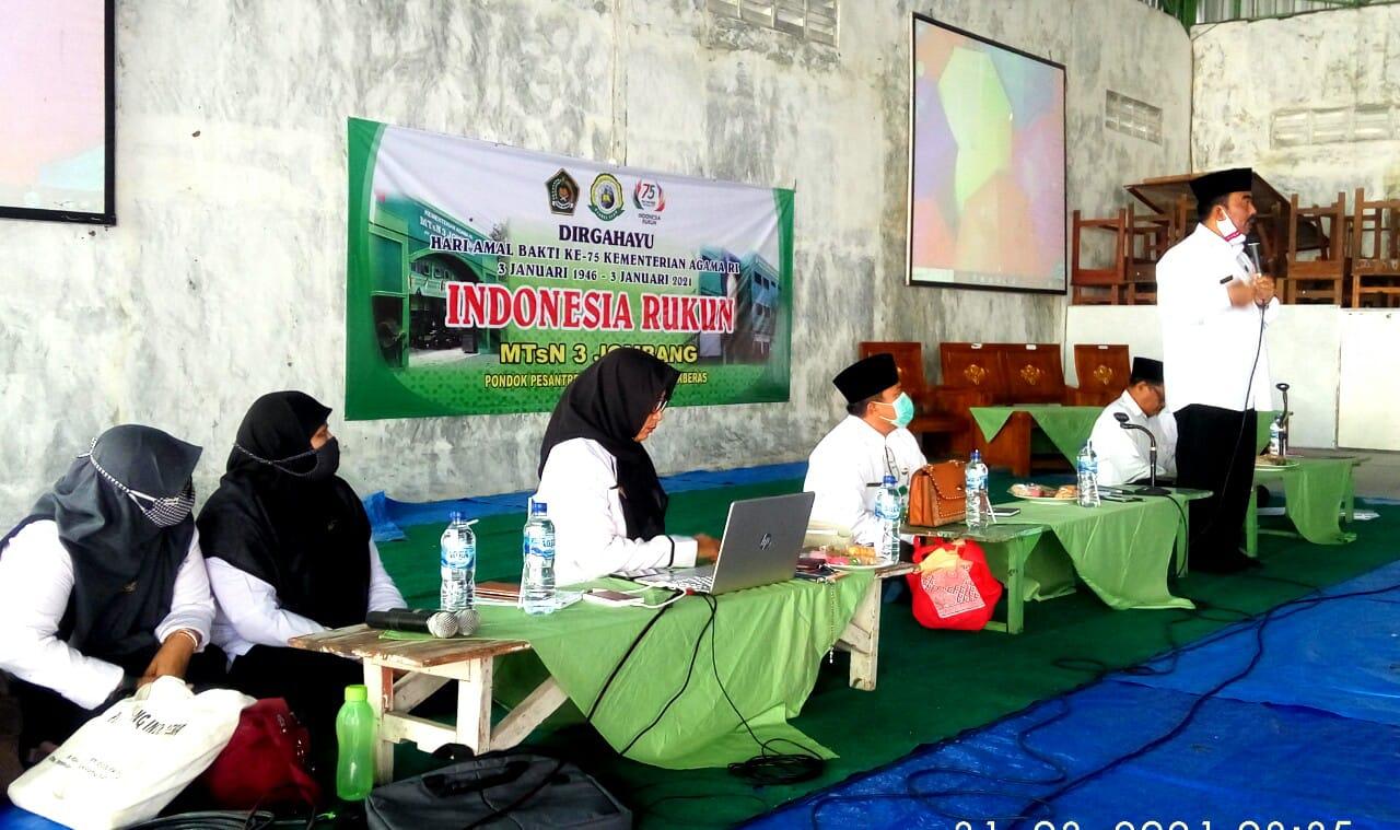 Kepala Kantor Kemenag Jombang Kunjungi MTsN 3 Jombang, Bina Persiapan PTMT