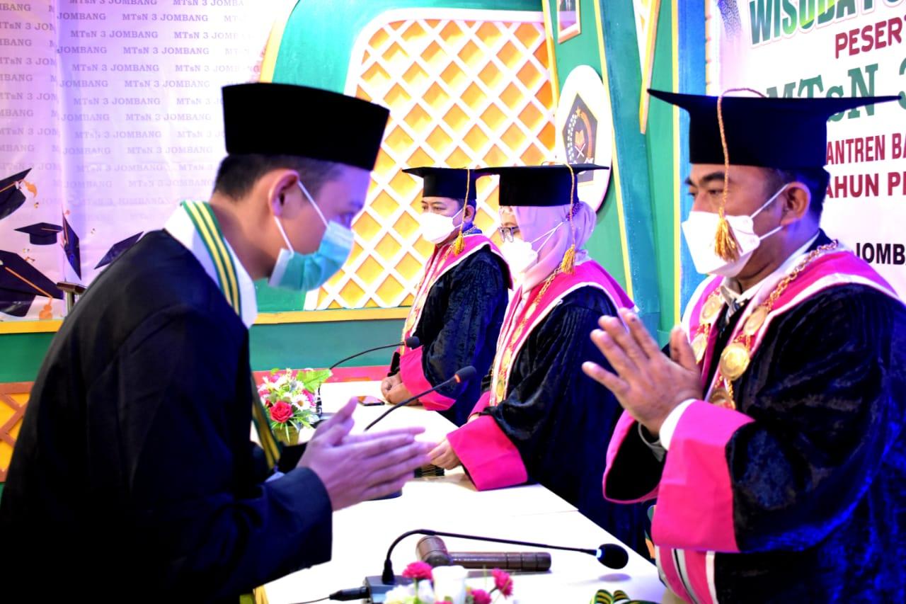 Wisuda Purna Siswa Online Peserta Didik Kelas IX 2020-2021 MTsN 3 Jombang PP. Bahrul Ulum