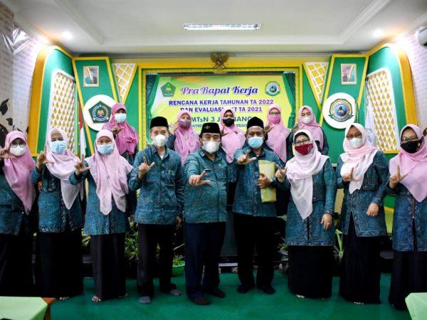 SERAH TERIMA JABATAN Kordinator Unggulan ICP MTsN 3 Jombang