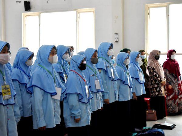 MTsN 3 Jombang Gelar Opening Ceremony Pembinaan Intensif Bahasa Inggris   bekerja sama dengan FEE Center